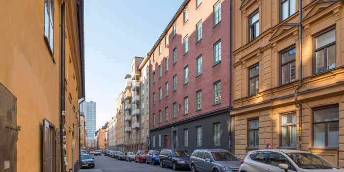 Kvarteret Timmermannen 14 in Södermalm are two of the site leaseholds that can be considered for purchase.