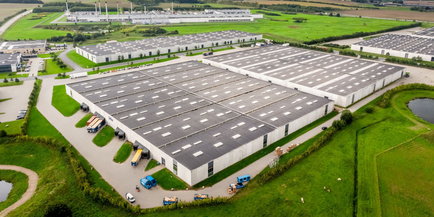 A logistics fund, represented by M7 Real Estate, acquires four logistics properties in Horsens from Milton Group.