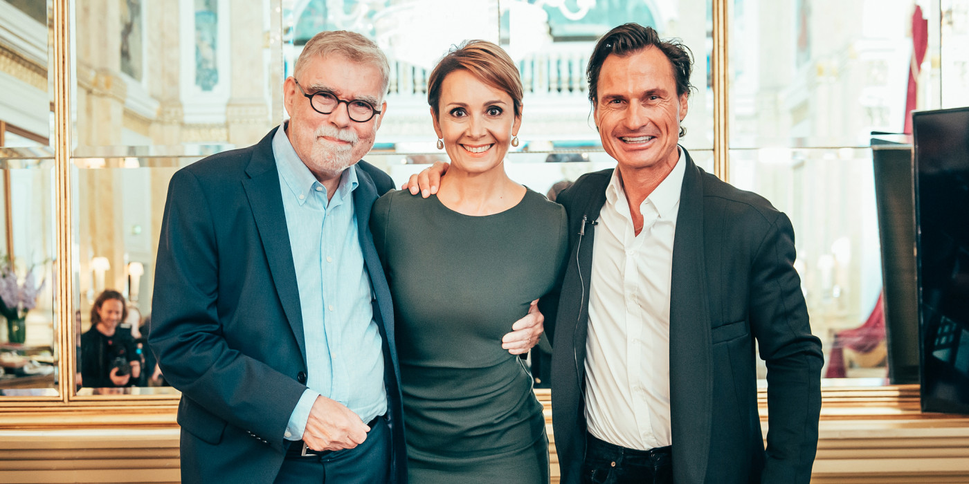 The old owners and the new: Petter Stordalen.