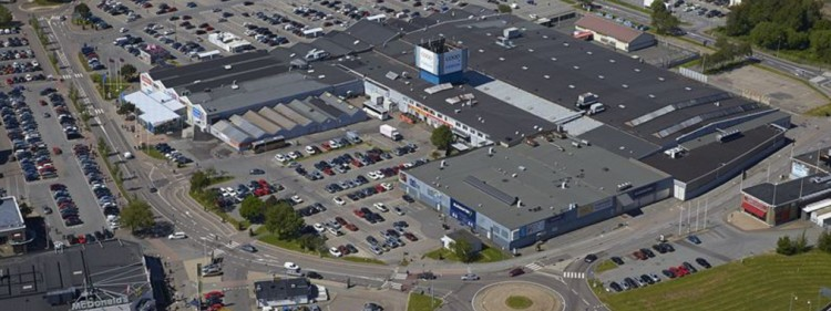 Skandia Fastigheter acquires two properties at Backaplan, Gothenburg.