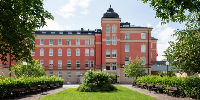 Hemsö acquires from Akademiska Hus.
